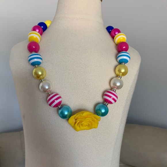 Other - Chunky Beaded Bubblegum Girl necklace